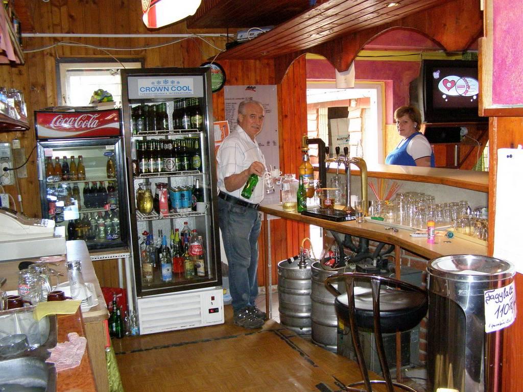 Kettős Csárda Panzió Presszó bár
