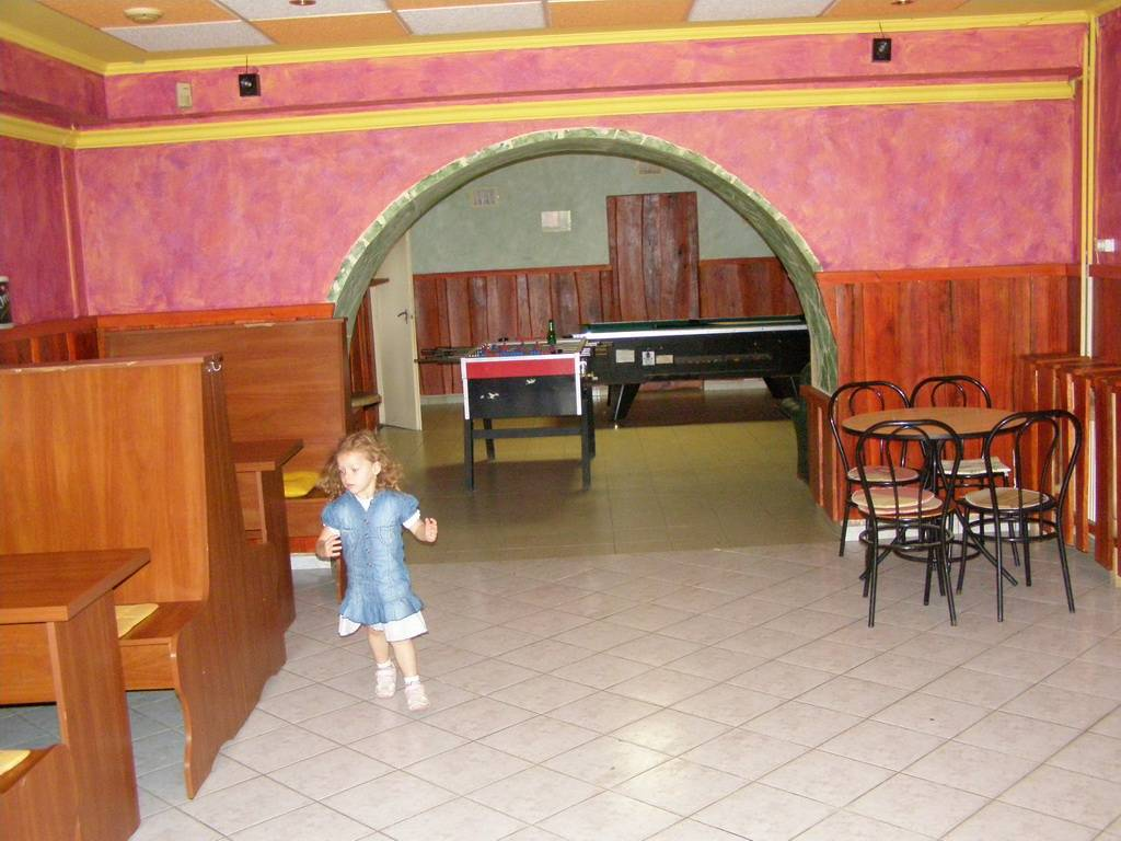 Kettős Csárda Panzió Presszó játékterem